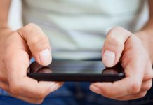 Detecting carpal tunnel syndrome with a smartphone application